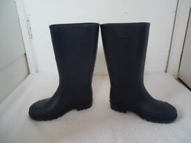 Boys navy blue wellies from NEXT size 3 great condition