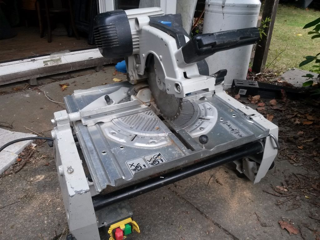 Elu flip saw tgs 273 table saw and chop saw in west moors dorset elu flip saw tgs 273 table saw and chop saw greentooth Choice Image