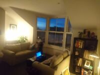 Double furnished room to rent in a large flat on Northdown Rd