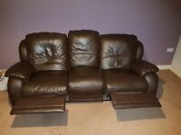 Lazyboy 3 and 2 seater sofa with manual recline