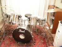 Pearl export, 7 piece, chrome finish drumkit