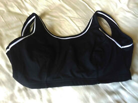 Ladies Marks and Spencer underwired crop top