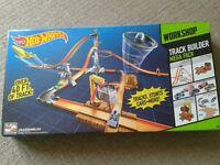 *NEW* Hotwheels workshop track builder mega pack