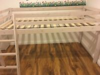 Mid rise children's bed