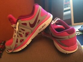 Pink in colour Nike Duel Fusion Run 2 in great condition.