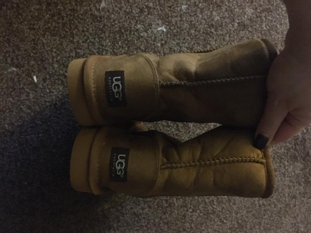 Ugg boots made in China size 5. New without boxin Bramley, West YorkshireGumtree - Cosy comfy fur lined boots. New and un worn. Ladies Size 5