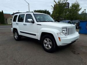 2012 Jeep Liberty Sport 3.7L V6 4WD!! Low KM'S & Low Payments!!