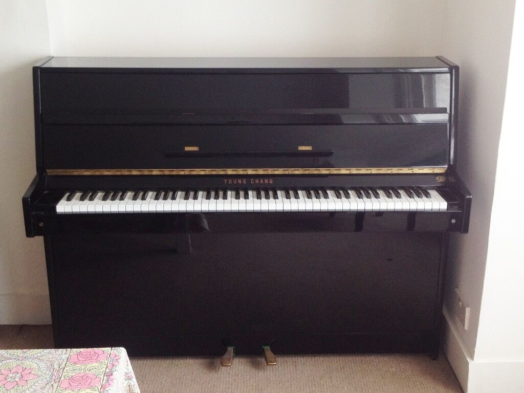 young chang black lacquer upright piano in london gumtree. Black Bedroom Furniture Sets. Home Design Ideas