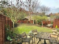 3 Bedroom House with garden and parking available for summer short-let - Canary Wharf