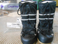 Childrens Moonboots, thermal, size 10-11 by Campri.