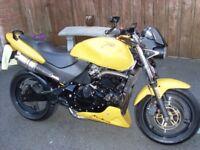 2002 Honda CB 600 Hornet.