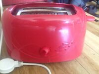 Toaster in really good condition £5