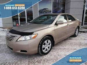 2007 Toyota Camry LE seulement 85000km une PROPRIO