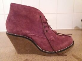 New Mantaray ladies wedge boots size 5