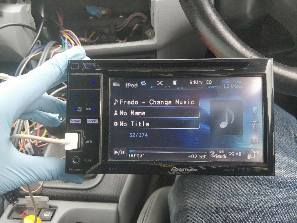 Pioneer Avh 2300dvd Ipod Usb And Aux Used But In Very