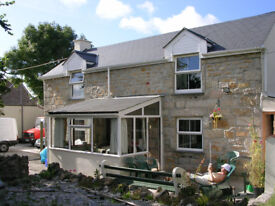 Comfortable double room in lovely cottage, near Pool between Redruth and Camborne