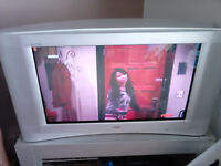 "Big old stlye TV and stand 32"" screen FREE FOR COLLECTION!!!!!"