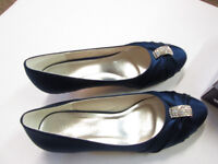 LADIES SHOES BLUE / DIAMONTE SIZE 39/6 NEW IN BOX