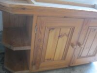 MODERN PINE KITCHEN TOP CABINET, TWIN CABINET DOORS PLUS SHAPED CORNER SHELVING. VIEW/DELIVERY POSS