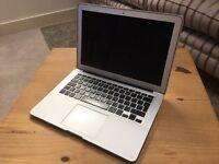 Macbook Air 13 - 2011 - i5 - 4GB Ram - 128gig SSD (new logic board)