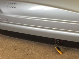 Audi Q5 roof box and roof bars