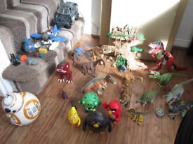 DINOSAURS + ANGRY BIRDS TALKING FIGURES + BB8 TALKING/MOVING TOY