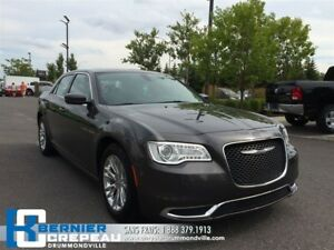 2015 Chrysler 300 Touring **TOIT PANO, CAMERA, GPS + WOW**