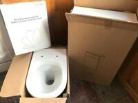 Ceramic Toilet, Gloss White Unit & Soft Close Seat