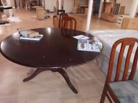 Solid Mahogany round dining table 5' (approx 150cm) diameter used excellent condition with 3 chairs