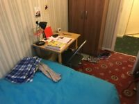 Colorful Single Room in Aldgate