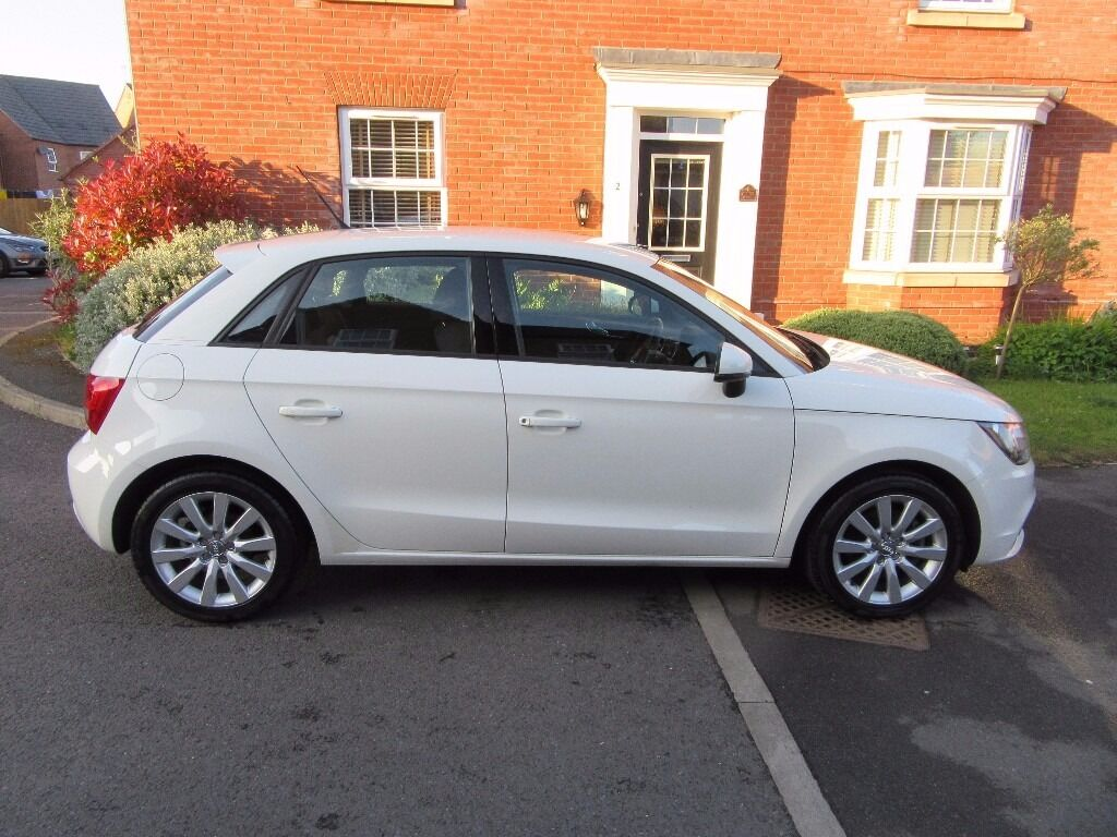 white audi a1 sport automatic 2012 5 door low mileage in market harborough leicestershire. Black Bedroom Furniture Sets. Home Design Ideas