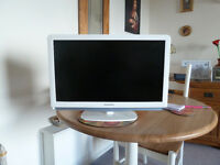 "White Phillips 21"" TV"