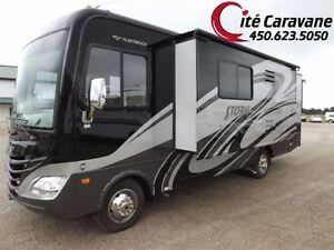 2013 Fleetwood Storm 2 extensions Classe A 29 pieds FULL PAINT..