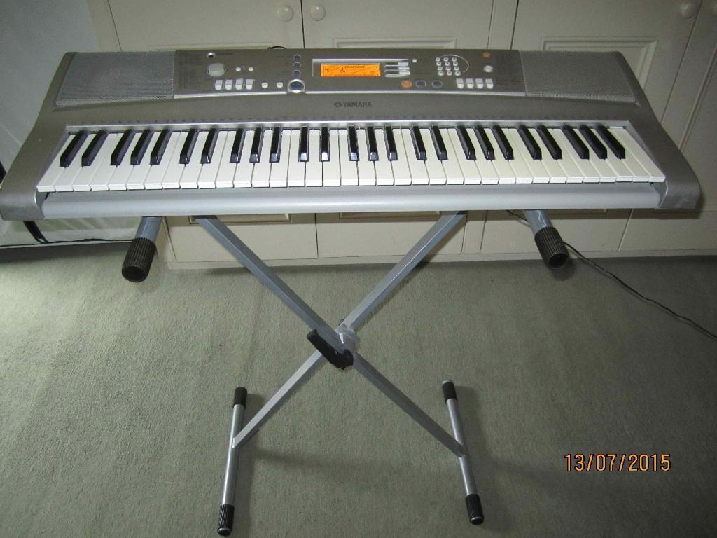 Yamaha psr e303 portable keyboard with adjustable stand for Yamaha psr stand