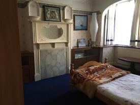 Large double bedroom for rent in Southall