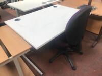 1200mm White Straight Desk