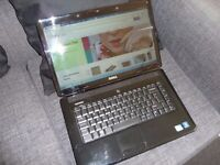 DELL Inspiron 1545 Laptop 320 gb 3gig mem intel 2.20ghz 15.6 screen