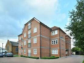 2 bedroom flat in Ardennes House, Victoria Dock Road, Royal Docks E16