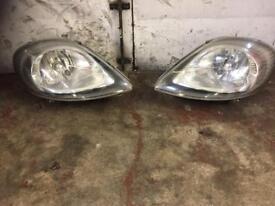 Vauxhall vivaro headlights 2003/06