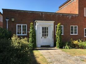 SALISBURY CATHEDRAL CLOSE, one bedroom house