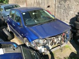 Breaking 2005 Renault Megane 1.6 Dynamique 5dr please call for parts availability