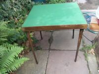 VINTAGE CARD TABLE WITH FOLDING LEGS FROM 1934 BY VONO EXCEELLENT CONDITION