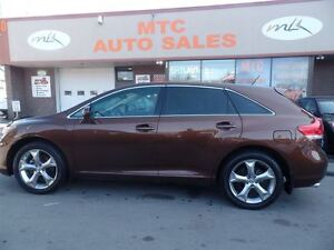 2010 Toyota Venza SUPER CLEAN, AWD, V6, LEATHER SEATS, BLUETOO
