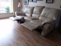 3 seater cream leather recliner sofa in excellent condition and spotless. no rips or tears