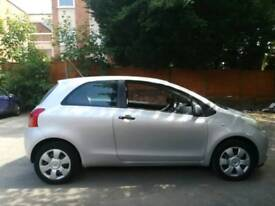 Toyota yaris 3 door 1.0 petrol manual 2006 ideal for first time driver