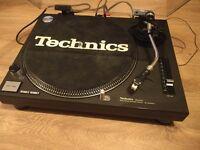 Technics decks two SL1210 MK2