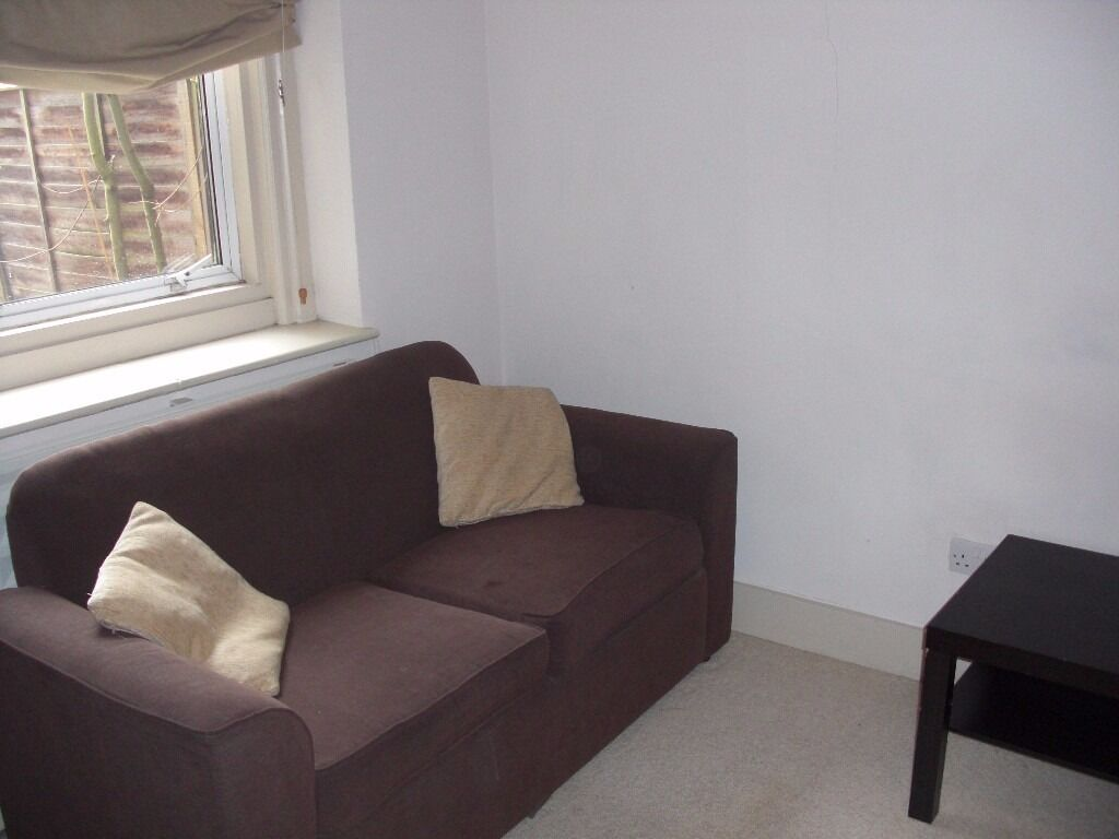 Very cheap 1 bed flat in an excellent location! Don't miss out! Call for early viewing!