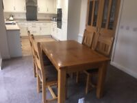 Barker and stonehouse extendable table & 4 chairs