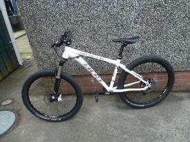 Whyte mountain bike 905
