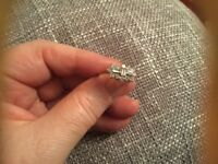 9ct gold ring stamped hallmark zirconia ring size r